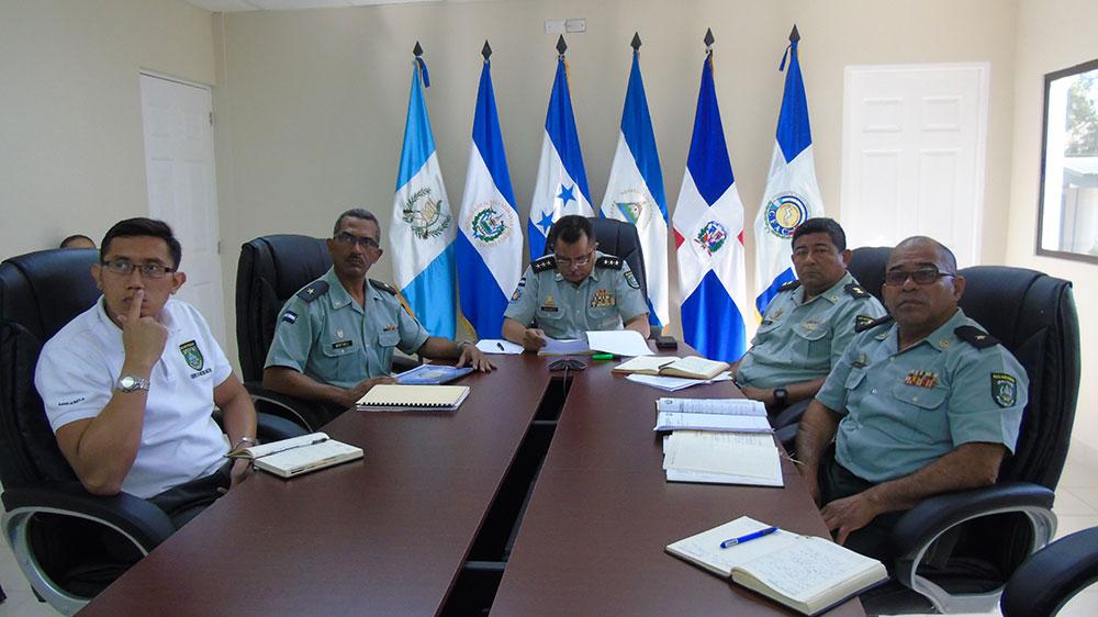 Collage-Foto-Oficial-V-AE-Historia-Militar-(2)